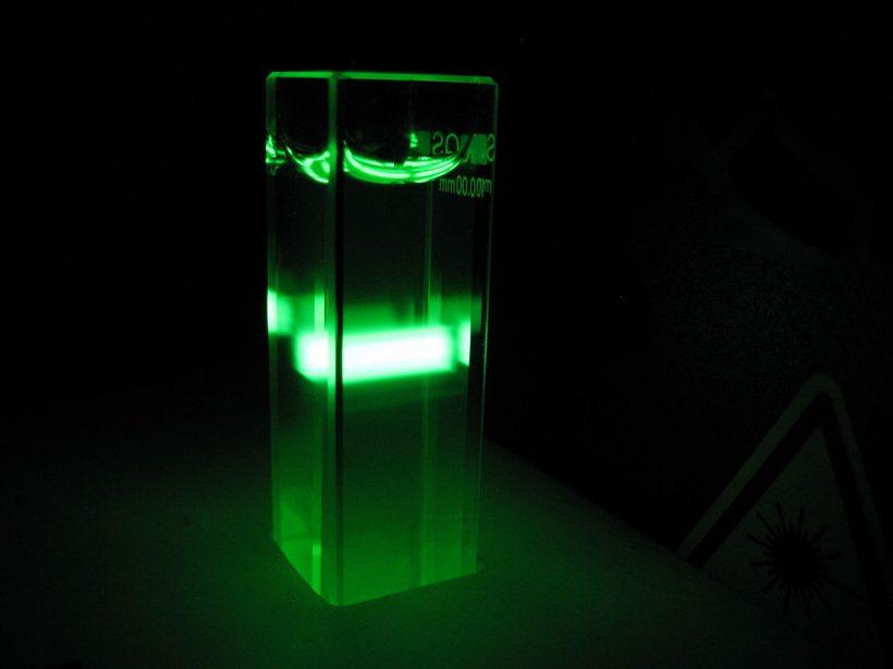 Fluorescéine pour traçage colorimétrique